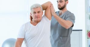 مختصون: للعلاج الطبيعي دور في التخفيف من الآلام المزمنة