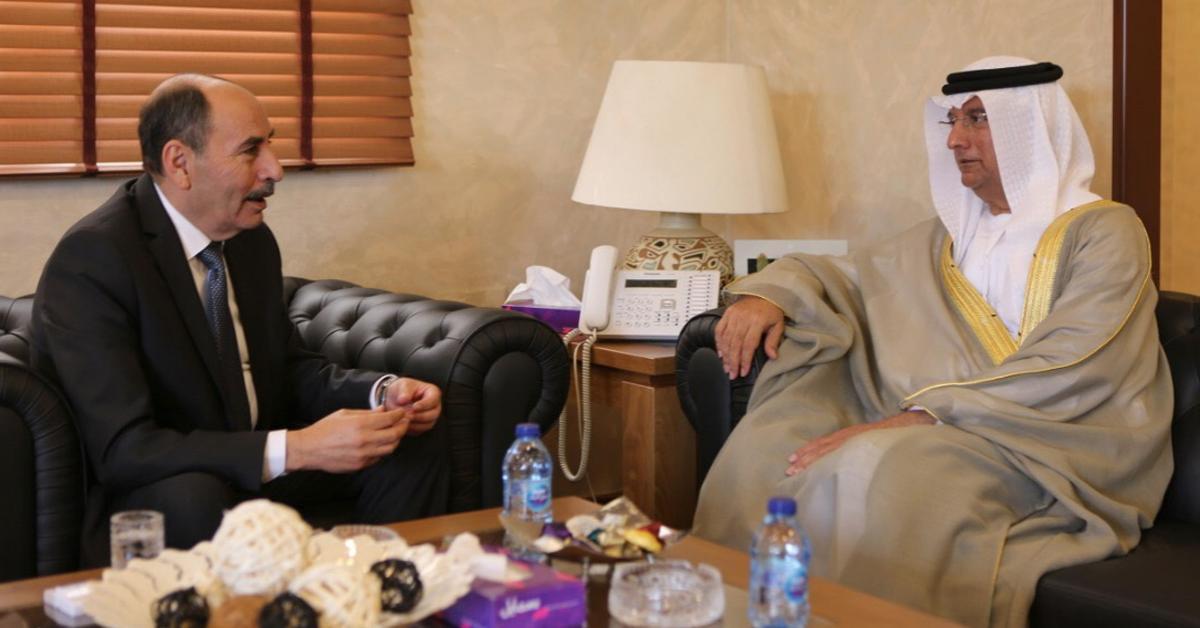 وزير الاشغال يلتقي السفير الاماراتي في عمان