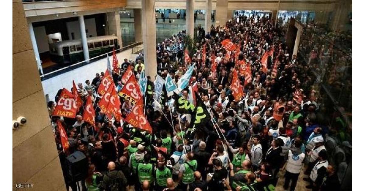 شلل تام في باريس بسبب الإضراب
