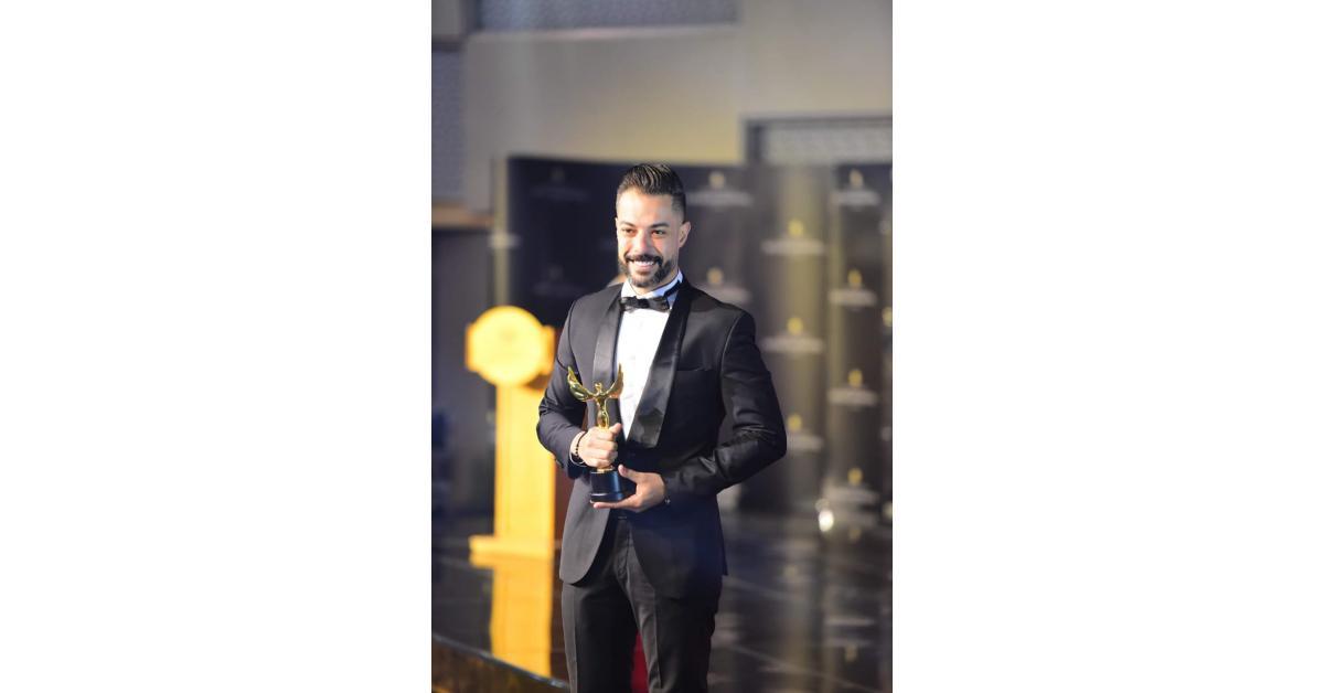 اردني يفوز بجائزة افضل طبيب اسنان في القاهرة