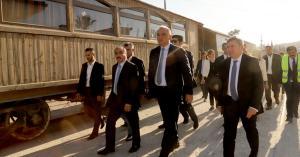 وزير الثقافة والسياحة التركي يزور مؤسسة الخط الحجازي