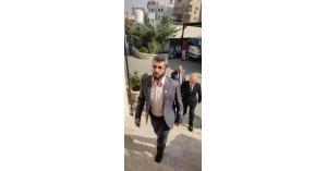 وصول وفد نقابة المعلمين الى مقر وزارة التربية لعقد الاجتماع