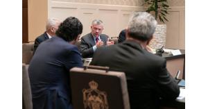 الملك يلتقي ممثلين عن القطاع الخاص في قصر الحسينية