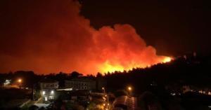 لبنان تحترق.. شاهد بكاء مراسلة قناة فضائية بسبب حرائق لبنان