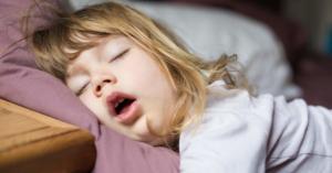 لماذا بعض الناس يكون نومهم ثقيل وآخرون نومهم خفيف؟