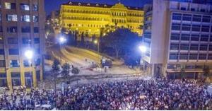 انتفاضة شعبية واسعة في كافة أنحاء لبنان
