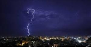 عواصف رعدية تشهدها المملكة الليلة.. تفاصيل