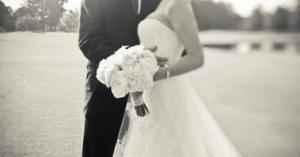 وفاة عروسين أثناء طريقهما للزفاف .. قصة مؤثرة