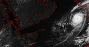 توقعات بتطور اعصار كيار في بحر العرب .. وهذه مساراته