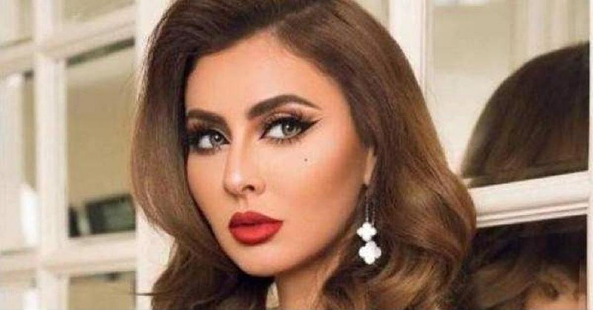 مريم حسين تثير الجدل بما فعلته خلال صلاتها