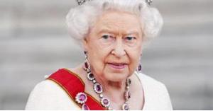 قرار صادم بشأن ثياب الملكة اليزابيث