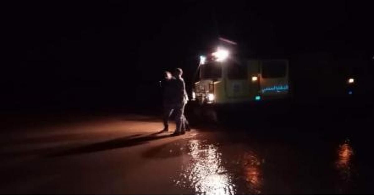 إنقاذ 16 شخص حاصرتهم مياه الأمطار