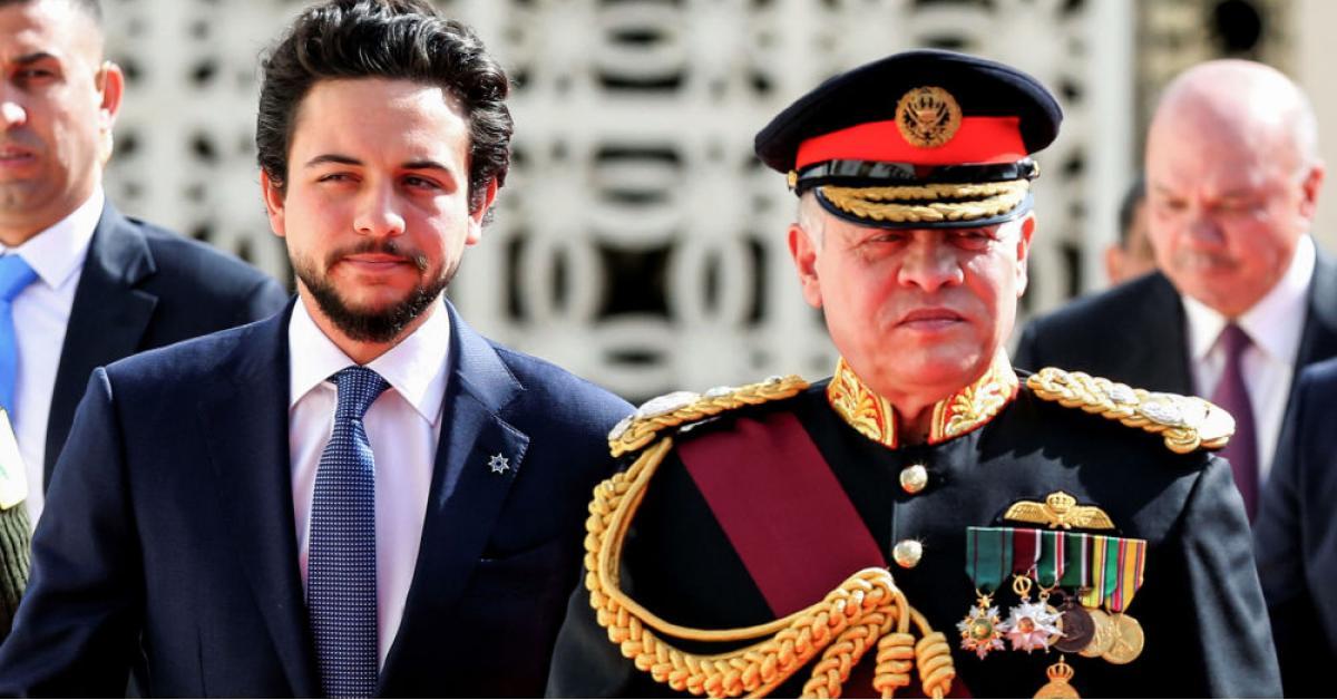 الأمير المبادر والملك المعزز