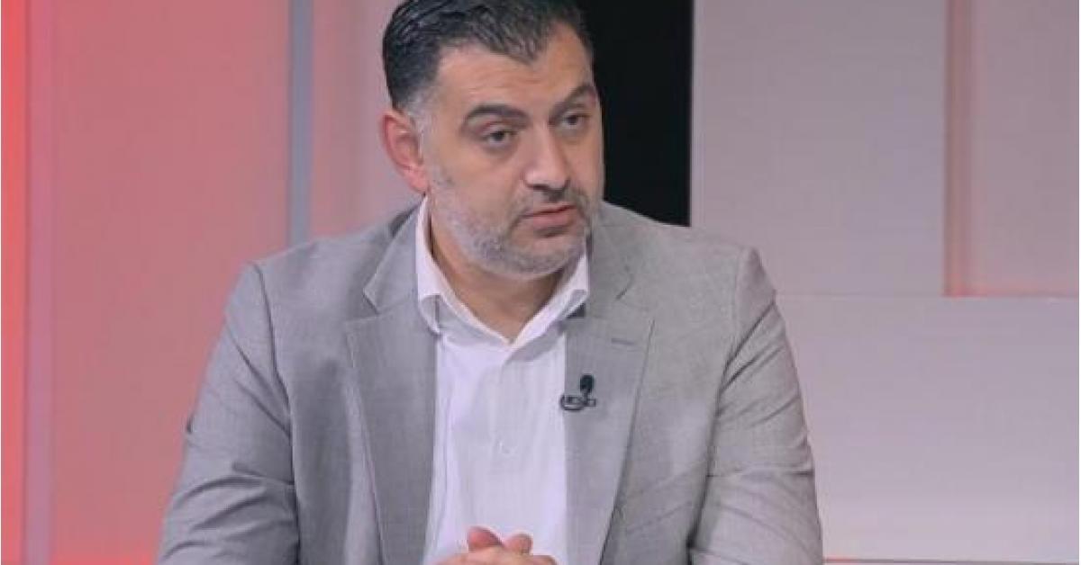 وزارة العمل تصدر بيان تدافع به عن وزيرها.. تفاصيل