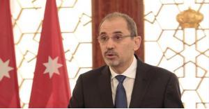 الصفدي يعتذر لمواطنة أردنية في تركيا.. صورة وتفاصيل
