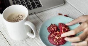 كيف يجب أن تكون وجبات الطعام بالعمل؟
