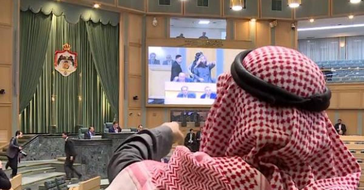 الرياطي يهاجم رئيس النواب والطراونة: انت اصغر من المواجهة