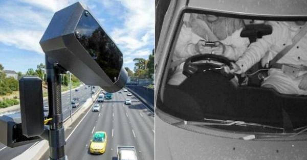 أول كاميرات بالعالم لرصد استخدام الهاتف أثناء القيادة