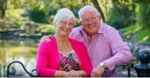 أسعد زوجين .. تشاجرا مرة واحدة في 50 عاماً