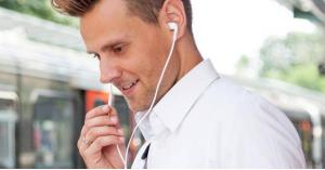 كيف تحمي نفسك من إشعاعات الهواتف الذكية؟