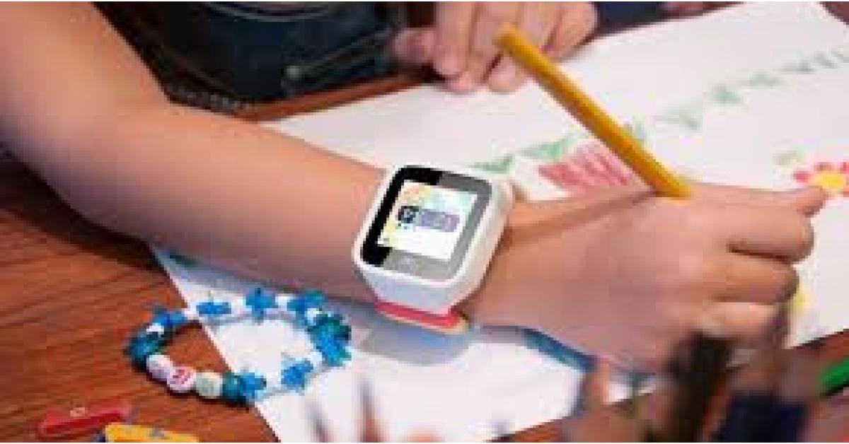 ساعات الأطفال الذكية .. احذروا شرائها لهذه الأسباب