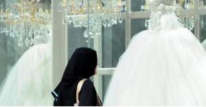 فتاة تقاضي والدها من أجل الزواج