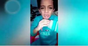 فيديو مروع .. ام تعنف طفلها وتعذبه بوحشية