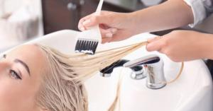تعرض النساء لصبغات الشعر يعرضهن لمخاطر الإصابة بمرض خطير
