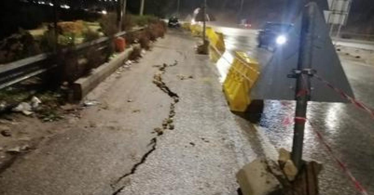 انهيار جزئي على مدخل مدينة جرش الجنوبي