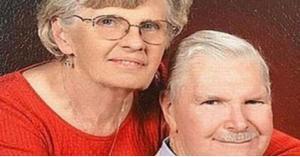 زوجان عاشا معا 65 عاما وتوفيا بنفس اليوم