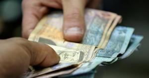 الحكومة: ملتزمون باتفاق زيادة العلاوات