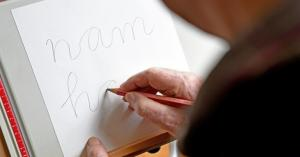 هل اختفت الكتابة بالقلم للأبد؟