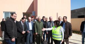 العيسوي يتفقد مشروع مساكن الأسر العفيفة بدير علا