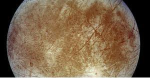 عالمة تؤكد وجود مخلوقات على سطح قمر المشتري