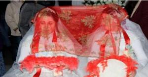 حفل زفاف لشقيقتين دون عريس.. فيديو
