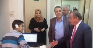 صلاح اللوزي يزور الجامعة الهاشمية ويعود مصابي حادث سير حافلة الطلاب