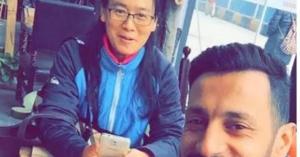 سعودي يكشف تفاصيل صادمة عن كورونا.. وهذا ماقاله عن فيديوهات تساقط الناس في شوارع الصين