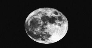 العلماء يسعون لاستخراج مياه من غبار القمر