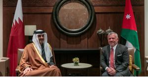 الملك وأمير قطر يجريان مباحثات.. ماذا جاء فيها