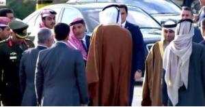 تعرف على الشخصية الاردنية الذي قام أمير قطر بالسلام عليه بحرارة وعناق.. صور