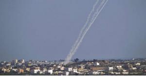 المقاومة تجدد اطلاق الصواريخ على غلاف غزة