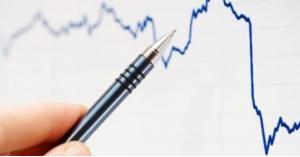 انخفاض العجز التجاري للعام الماضي 12.2%