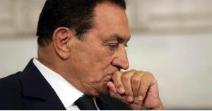 تشييع جثمان حسني مبارك في جنازة عسكرية
