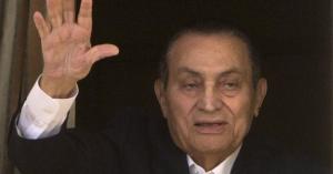 طبيب مبارك يكشف مفاجأة لأول مرة عن طبيعة مرضه.. يُصيب 1 من مليون