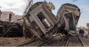 عشرات الاصابات في حادث انقلاب قطار بمصر