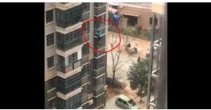خاطرت بحياتها .. امرأة نزلت 8 طوابق على واجهة مبنى شاهق والسبب كورونا! - شاهد