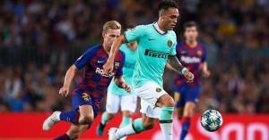 برشلونة يفكر في حل خماسي لضم لاوتارو