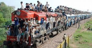 الهند: عزل مرضى كورونا في عربات القطارات