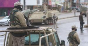 350 مخالفاً لحظر التجول الشامل في عمان