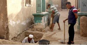 شجار في مقبرة مصرية.. والسبب جثة متوفى بكورونا